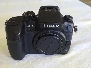 Panasonic Lumix DMC-GH4 Digital Camera w/ VLOG