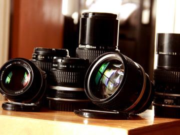 Rent: NIkon (EF adapters) Nikkor AIS kit: 24,35,50,85,135,200