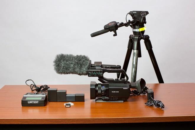 Sony PXW-X70 HD Camera Kit
