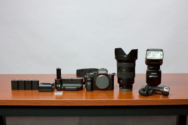 Sony a7R II Camera Kit