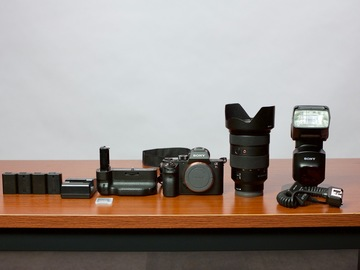 Rent: Sony a7R II Camera Kit