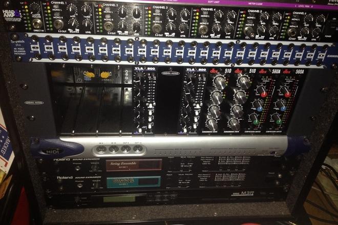 Lindel 500 Series Rack for outboard analog