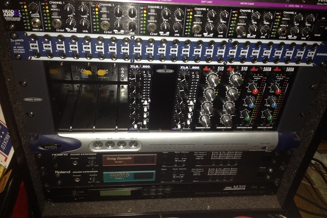 Lindel 500 Series Rack for outboard analog
