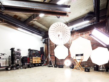 Rent: Arts Dist Beautiful Photo/Video Studio