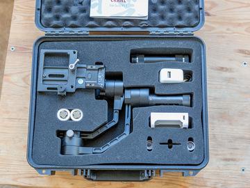 Rent: Zhiyun-Crane V2 - Gimbal Stabilizer