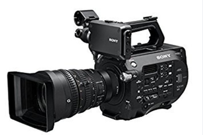 Sony FS7ii mark 2  Zoom Lens & Shoulder Rig