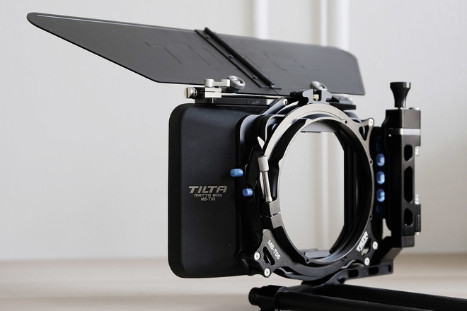 Matte Box 4x4 Tilta MB-T05 (x8 Diffusion Filters 4x4)