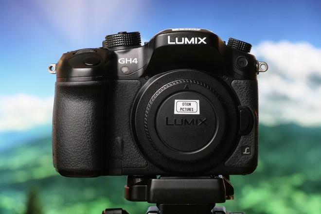 Panasonic Lumix DMC-GH4 Digital Camera (with V-log)