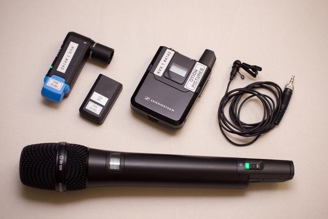 Sennheiser AVX Wireless Set (Lavalier + Handheld Mic)