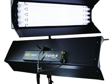 Rent: Kino Flo Tegra Dimmable 4' x 4 Light Fluorescant Light Fixtu