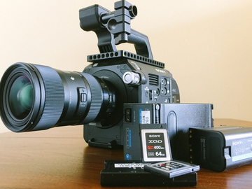 Rent: Sony FS7 (v3.0)