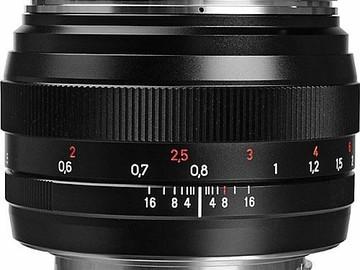 Zeiss Planar 50mm (1.4) Prime Nikon or Canon EF Mount