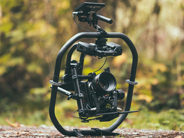 Rent: MoVI Pro w/ 6x Bats, Small HD, Red & Alexa D-tap,