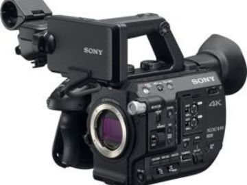 Rent: Sony FS5 Camera With 28-135mm F4 Zoom Lens Kit