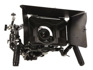 Rent: Tilta shoulder rig with matte box and follow focus