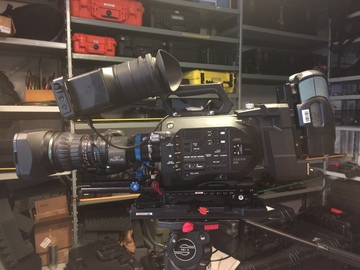 Rent:  Fujinon HD 15-260mm with E-B4 or EF-B4 adapter