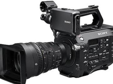 Rent: Sony PXW-FS7 4K Camera Kit With Sony FE PZ 28-135mm F4 G O