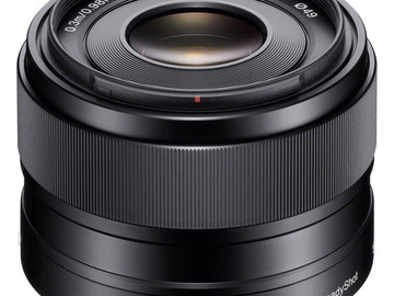 Rent: Sony E 35mm f/1.8 OSS Lens