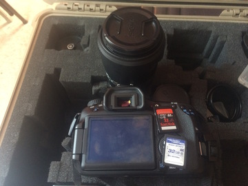 Rent: Canon 60d with lens, zacuto z-finder and extras
