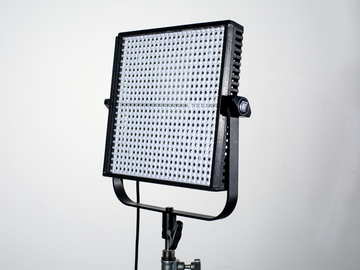Rent: Litepanel 1x1 Bi-Color Flood