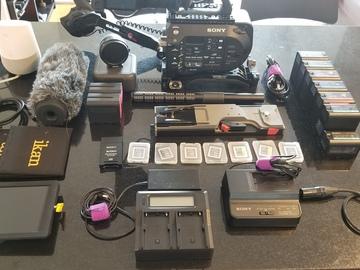 Rent: Sony PXW-FS7, SHotgun, Monitor, Metabones