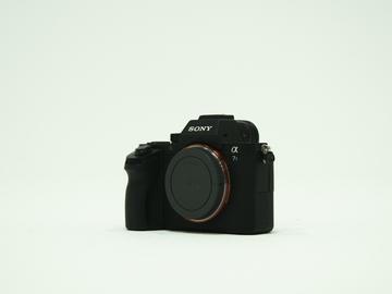 Sony A7Sii Mirrorless Camera with Rokinon Cine Prime Lenses