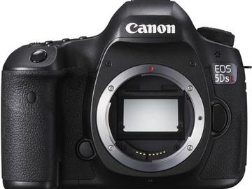 Rent: Canon 5DSR  Camera