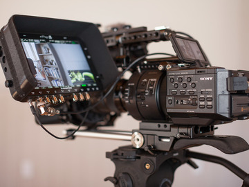 Rent: Sony NEX-FS700R cinema package + Odissey 7Q+ lens etc