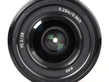 Rent: Sony FE 28mm f/2 for full frame A7sii A7riii A7iii etc.