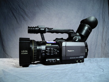 Rent: Panasonic AG DVX100 Camcoder