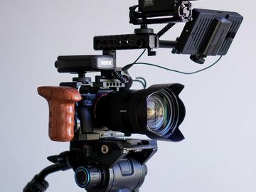 Sony a7s ii Kit (24-70mm F2.8, SmallHD, RodeLink, Benro S8)