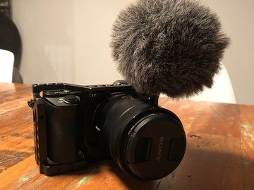 Rent: Sony a6500 / lens / microphone / 4 batteries