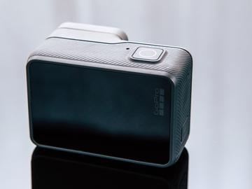 Rent: GoPro HERO5 Black plus EXTRAS