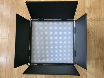 Rent: 1x1 LED Bi-Color, dimmable Light w/Stand