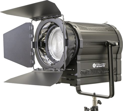 F485 LED Fresnel w Softbox 3000k-8000k dimmable 95CRI
