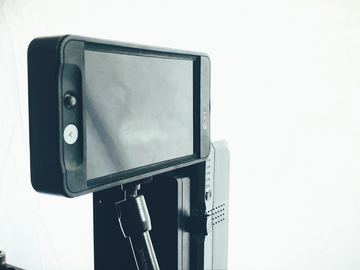 Rent: SmallHD 501 W/batteries, dummy battery, noga arm and HDMI