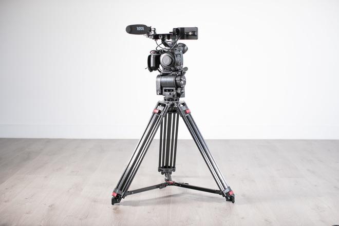 Canon C200 Cinema Camera + OConnor Fluid Head Tripod Bundle