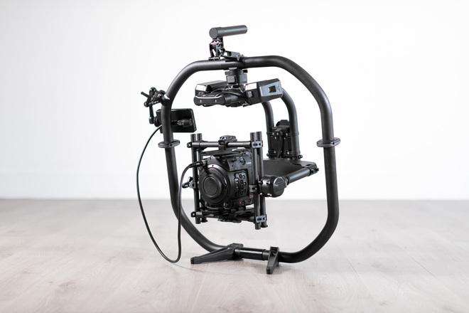 Canon EOS C200 Cinema Camera + FREEFLY MōVI Pro Bundle