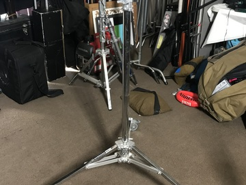 Rent: Avenger Roller Stand 9.5'  Baby Pin