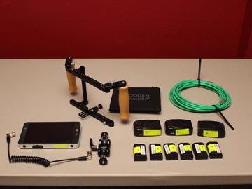 Director's Monitor Quick Kit (SHD702 Bright + Wooden Camera)
