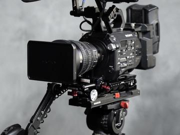 Sony FS7 w/28-135 f/4 lens  V-Mount Kit