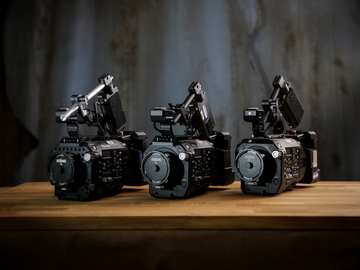 3 Musketeers: FS7 trio with extension units