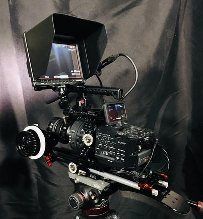 Sony NEX-FS700R Super 35 Camcorder w/E55-210mm Lens