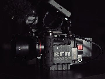 Rent: RED Scarlet-X 4K package With Camera Operator