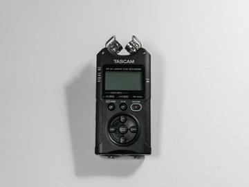 Rent: Tascam DR-40 (With MDR-7506 pro headphones)
