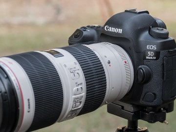 Canon EOS 5D Mark IV Body Package C-LOG