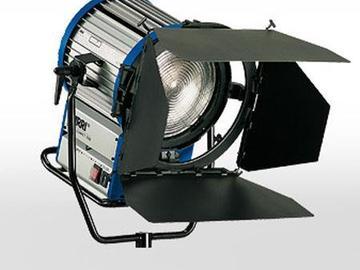 Rent: ARRI Compact HMI Fresnel 1200W, 1.2K Daylight HMI