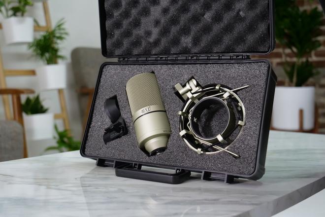 MXL 990 Studio Mic