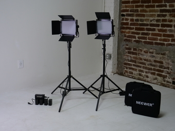 Rent: 2x NEEWER NL 660 LED