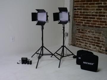 Rent: (2) NEEWER NL 660 LED Light